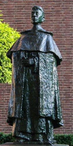 Titus Brandsma, Theo van der Nahmer, Oss