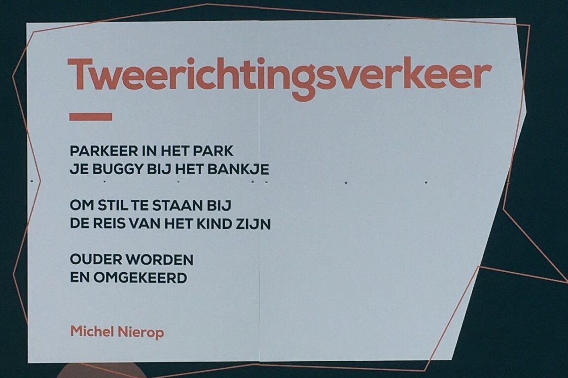 Op het Walplein in Oss wordt gewerkt aan nieuwbouw. Op de schutting eromheen staan gedicht van Osse dichters.