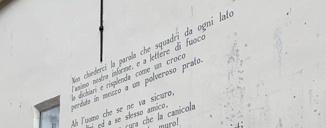 Poëzie, straatpoëzie, gedicht, muurgedicht, Eugenio Montale, Leiden